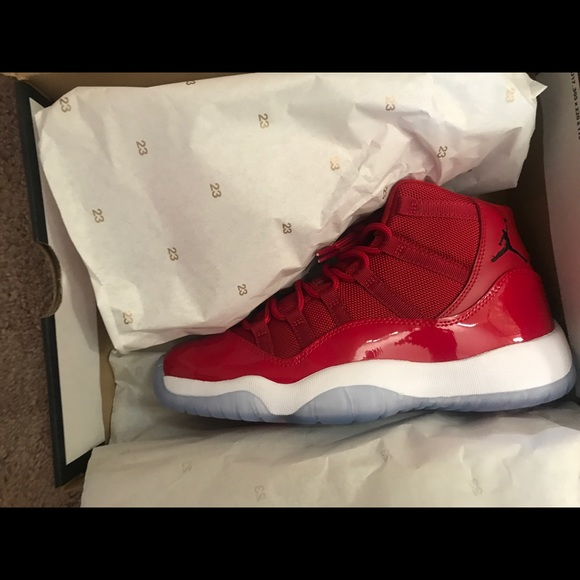aa530f367ad Gym red Jordan 11s size 6.5 NWT